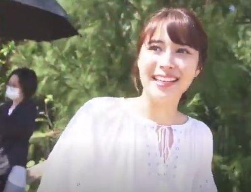 「淡麗グリーンラベル」の新CMで撮影中の広瀬アリス